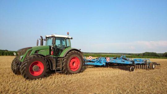 Comment choisir son traceur GPS spécial tracteur agricole ?