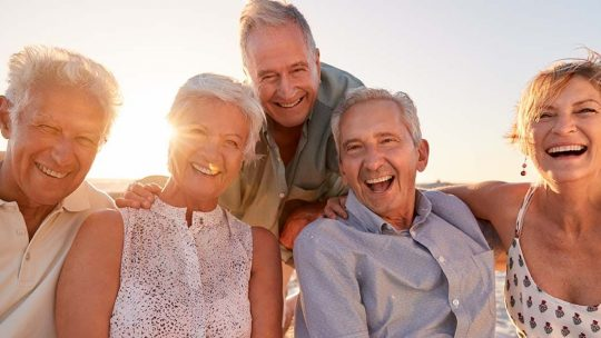 Comment préparer un voyage quand on est senior ?