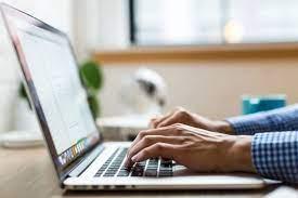Comment faire pour procéder au développement d'une entreprise en ligne ?